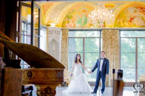 Lois & Dustin at Cuneo Mansion