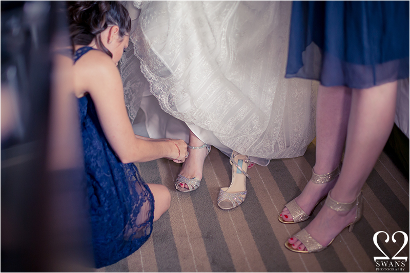 2swansphotography-bottomloungewedding6